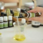 アロマでは植物から抽出した精油を使用します