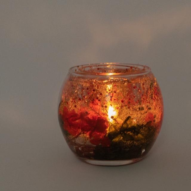 クリスマス花キャンドルの灯り